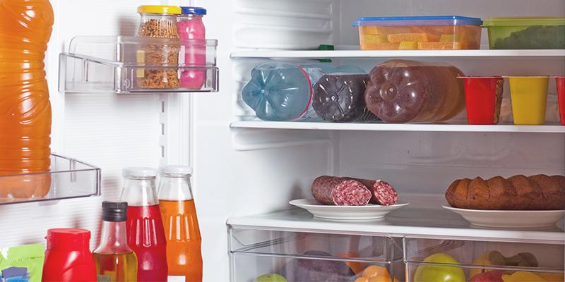 Come disporre gli alimenti nei diversi scompartimenti del frigo